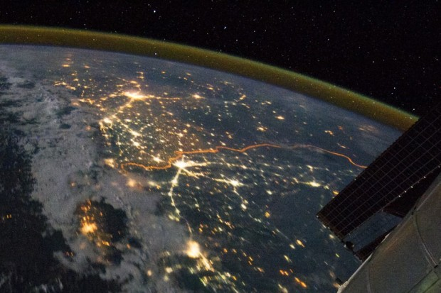 A photograph of the India-Pakistan border released by the NASA.  Source: Earth Observatory, NASA